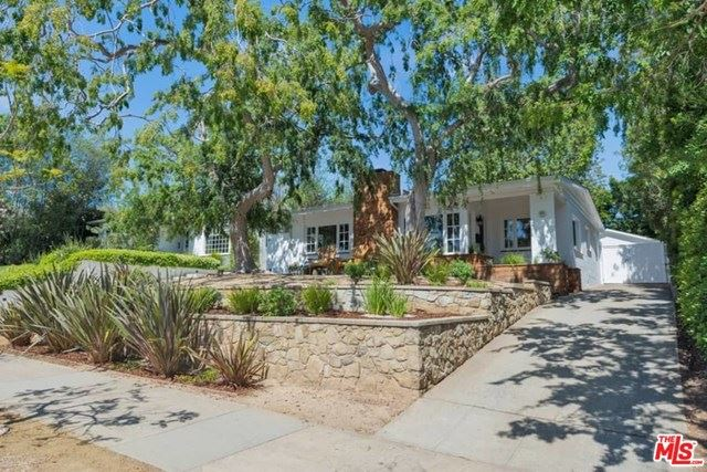 Photo of 1006 MONUMENT Street, Pacific Palisades, CA 90272 (MLS # 20573432)