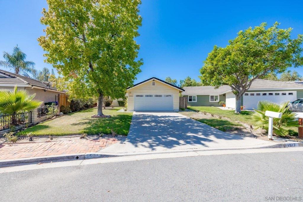 1517 Spring Creek Ln, Oceanside, CA 92057 - MLS#: 210026432