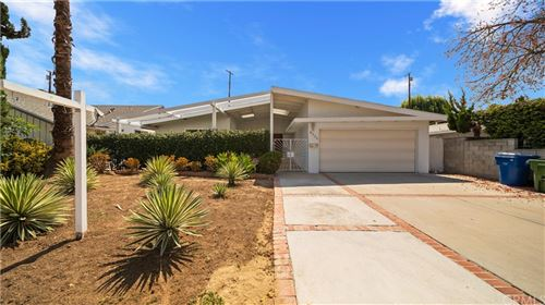 Photo of 8520 Belmar Avenue, Northridge, CA 91324 (MLS # CV21151433)
