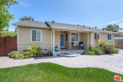 Photo of 17219 Lanark Street, Lake Balboa, CA 91406 (MLS # 20637434)