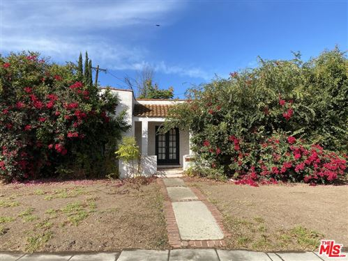 Photo of 10507 Bradbury Road, Los Angeles, CA 90064 (MLS # 21779434)