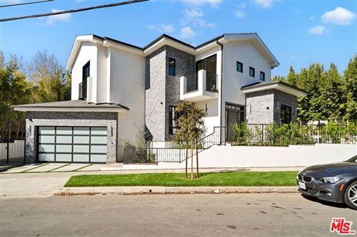 Photo of 1651 Fairburn Avenue, Los Angeles, CA 90024 (MLS # 21795434)