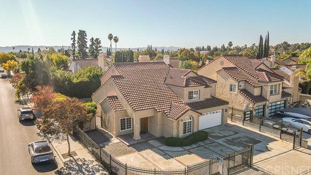 Photo of 16800 Kinzie Street, Northridge, CA 91343 (MLS # SR20248434)