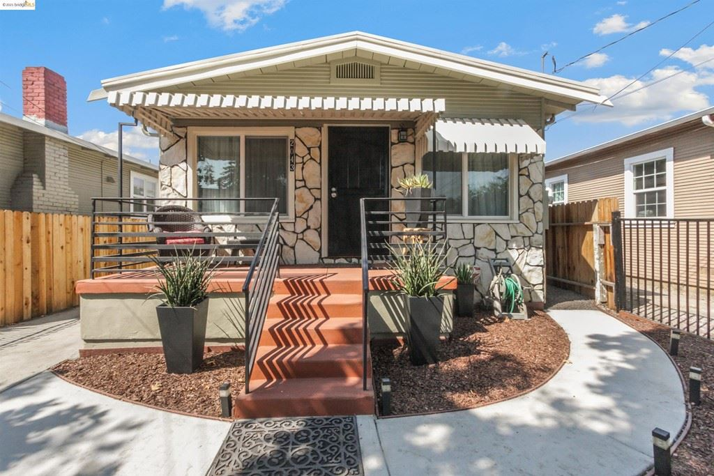 2043 81St Ave, Oakland, CA 94621 - #: 40968435