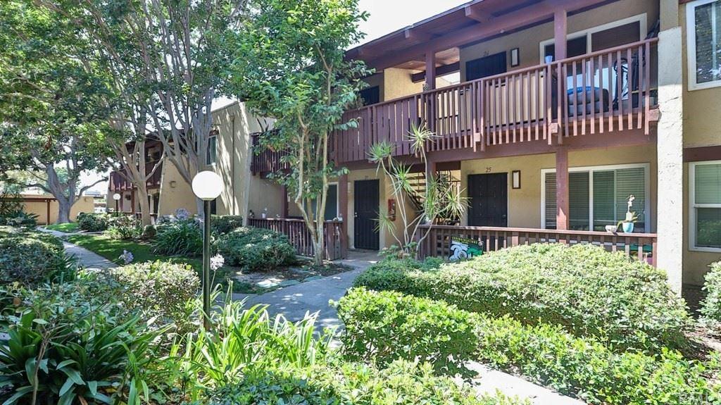 1040 W Macarthur Boulevard #28, Santa Ana, CA 92707 - MLS#: CV21167435