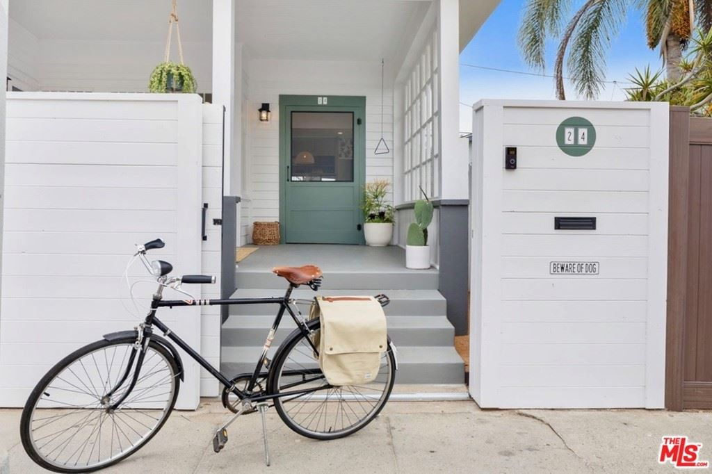 Photo of 24 18Th Avenue, Venice, CA 90291 (MLS # 20614436)