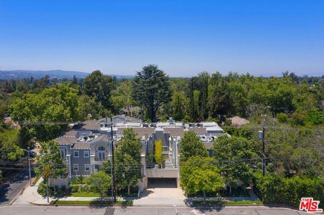 Photo of 5101 Whitsett Avenue #103, Valley Village, CA 91607 (MLS # 21748436)