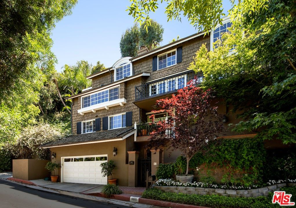 Photo of 9315 Beverly Crest Drive, Beverly Hills, CA 90210 (MLS # 21765436)