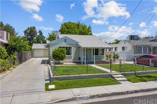 Photo of 24922 Chestnut Street, Newhall, CA 91321 (MLS # SR21103437)