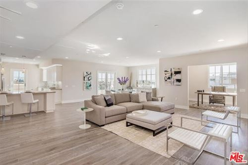 Photo of 313 S REEVES Drive #101, Beverly Hills, CA 90212 (MLS # 19520438)