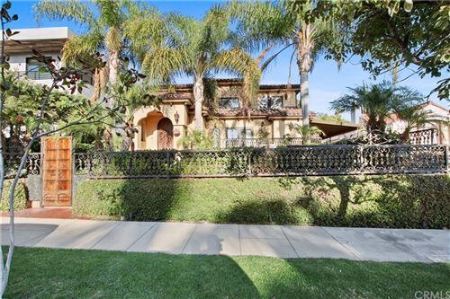Photo of 438 S Citrus Avenue, Los Angeles, CA 90036 (MLS # PW21205438)