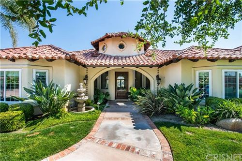 Photo of 21550 Cleardale Street, Newhall, CA 91321 (MLS # SR20125438)