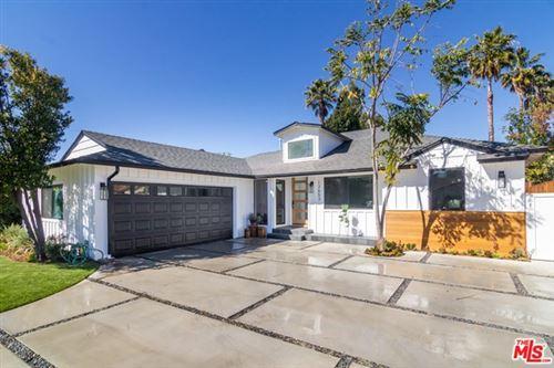 Photo of 12653 Albers Street, Valley Village, CA 91607 (MLS # 21694442)