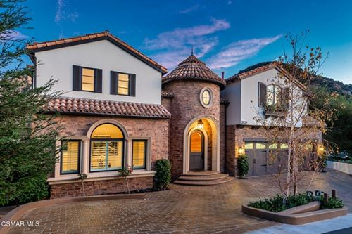 Photo of 2102 Trentham Road, Thousand Oaks, CA 91361 (MLS # 220011442)