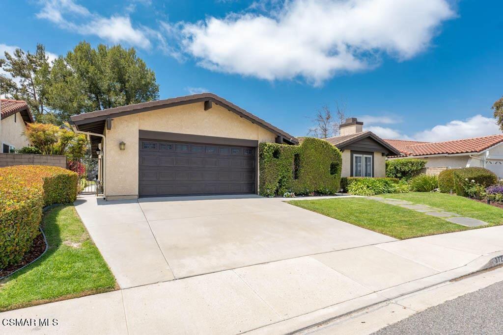 Photo of 3723 Sunset Knolls Drive, Thousand Oaks, CA 91362 (MLS # 221003443)