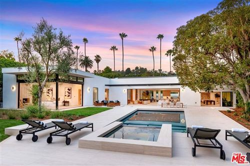 Photo of 410 Doheny Road, Beverly Hills, CA 90210 (MLS # 21767444)