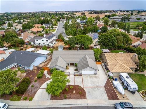 Photo of 2494 Starling Drive, Paso Robles, CA 93446 (MLS # NS21164444)