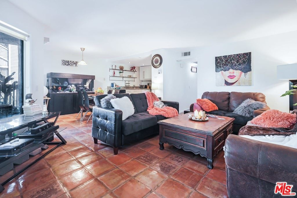 18316 Hatteras Street #22, Tarzana, CA 91356 - MLS#: 21746444