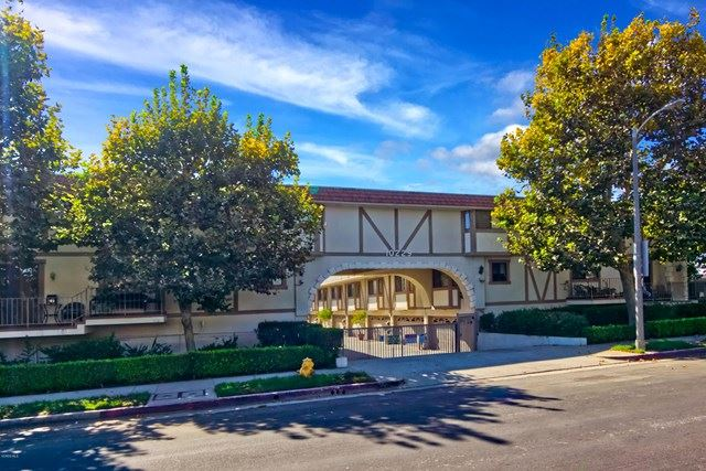10229 Variel Avenue #6, Chatsworth, CA 91311 - #: 220009444