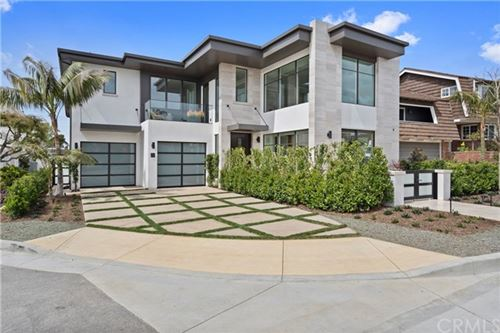 Photo of 261 Evening Canyon Road, Corona del Mar, CA 92625 (MLS # NP19061445)