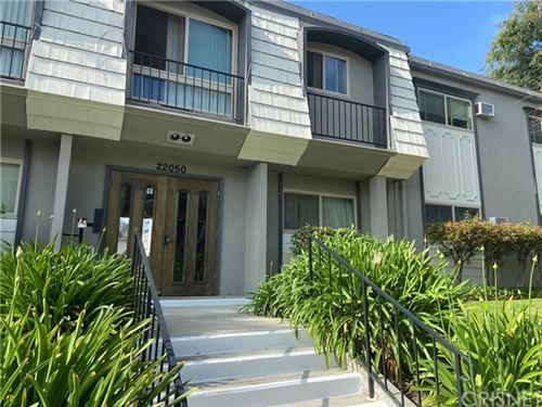 Photo of 22050 Calvert Street #8, Woodland Hills, CA 91367 (MLS # SR21105445)