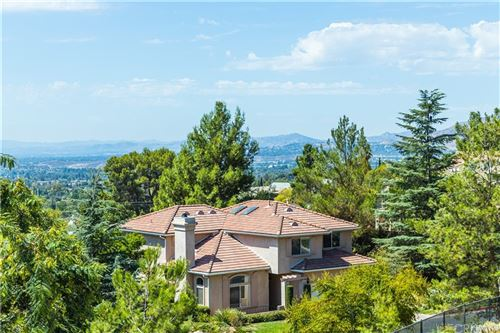 Photo of 13853 Mountain View Place, Sylmar, CA 91342 (MLS # SR21195445)