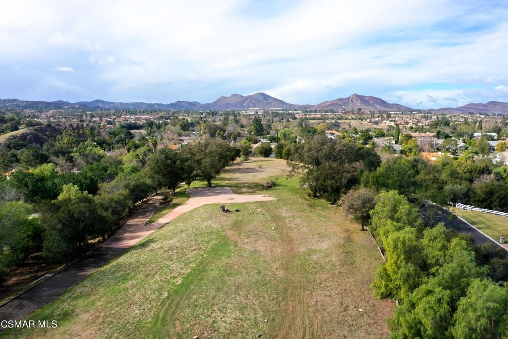 Photo of 783 Calle Laredo, Thousand Oaks, CA 91360 (MLS # 221000445)