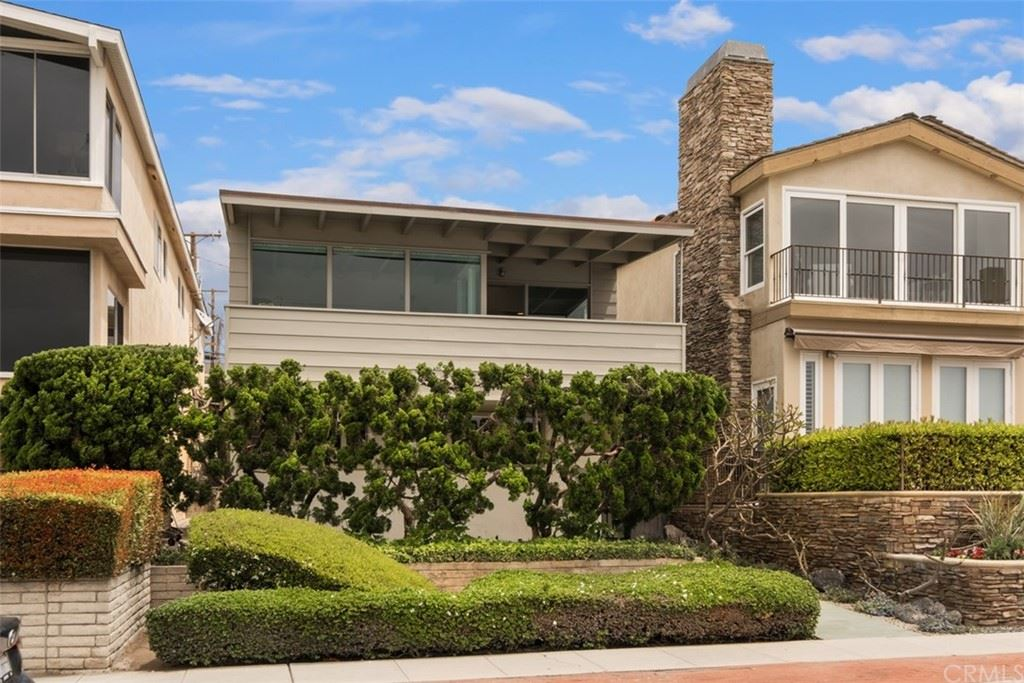 Photo of 2516 Ocean Boulevard, Corona del Mar, CA 92625 (MLS # OC21099445)