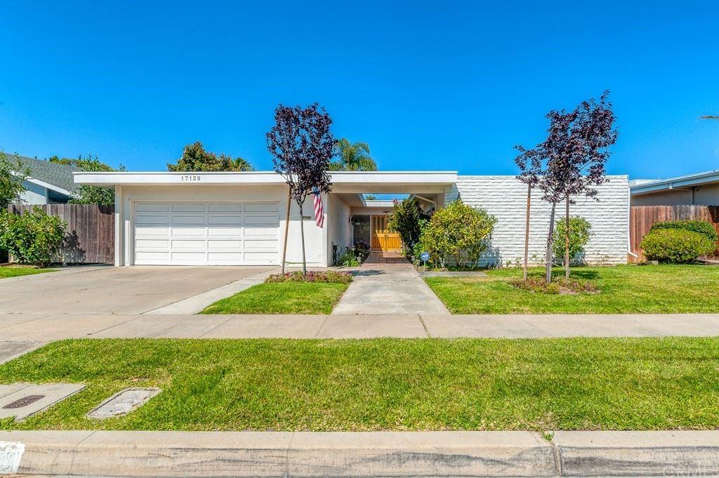 Photo for 17139 Roundhill Drive, Huntington Beach, CA 92649 (MLS # OC21126445)