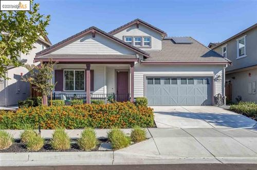 Photo of 305 Bougainvilla Dr, Brentwood, CA 94513 (MLS # 40920447)