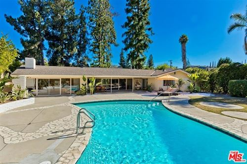 Photo of 20419 Ruston Road, Woodland Hills, CA 91364 (MLS # 20613448)