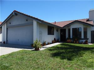 Photo of 39630 Knollridge Drive, Temecula, CA 92591 (MLS # SW19199448)