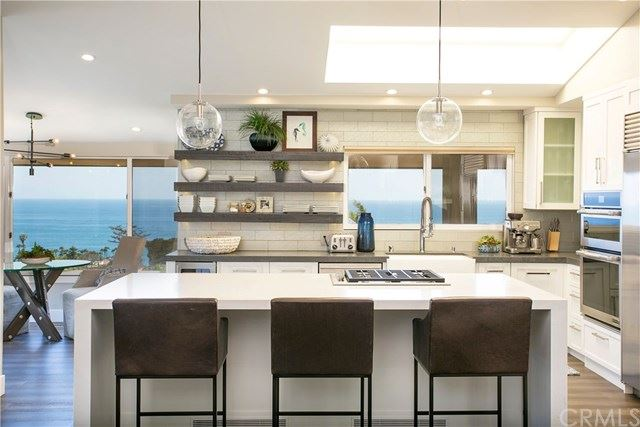 Photo for 320 Cajon Terrace, Laguna Beach, CA 92651 (MLS # OC19089448)