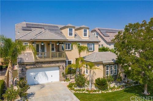 Photo of 27345 English Ivy Lane, Canyon Country, CA 91387 (MLS # SR20209449)