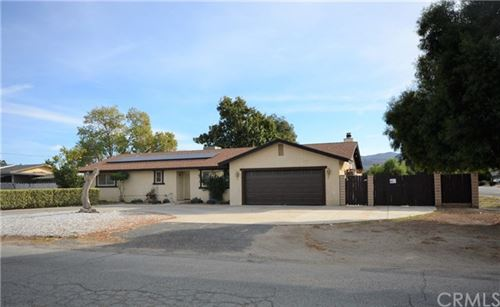 Photo of 42253 Mayberry Avenue, Hemet, CA 92544 (MLS # SW20244449)