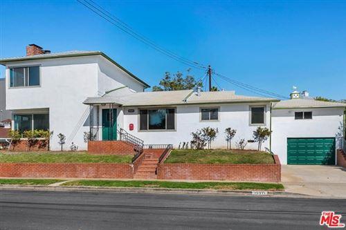 Photo of 15511 Earlham Street, Pacific Palisades, CA 90272 (MLS # 21683450)