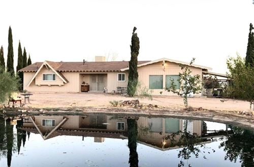 Photo of 46836 Twin Lakes Road, Newberry Springs, CA 92365 (MLS # 528450)