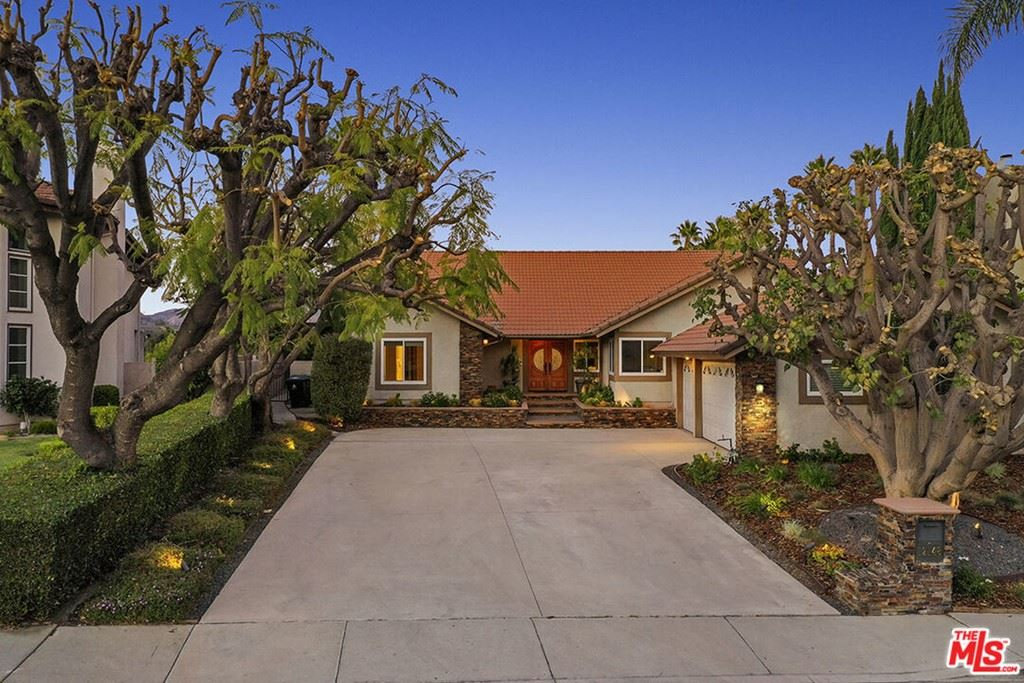 Photo of 12148 Louise Avenue, Granada Hills, CA 91344 (MLS # 21795450)