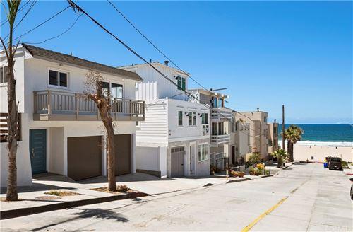 Photo of 136 Neptune Avenue, Hermosa Beach, CA 90254 (MLS # SB21020451)