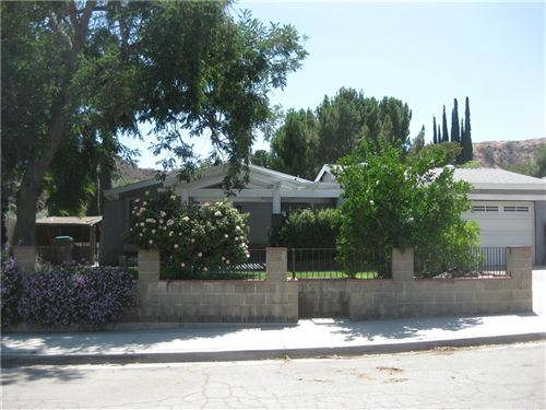 Photo of 29637 Wisteria Valley Road, Canyon Country, CA 91387 (MLS # SR21157452)