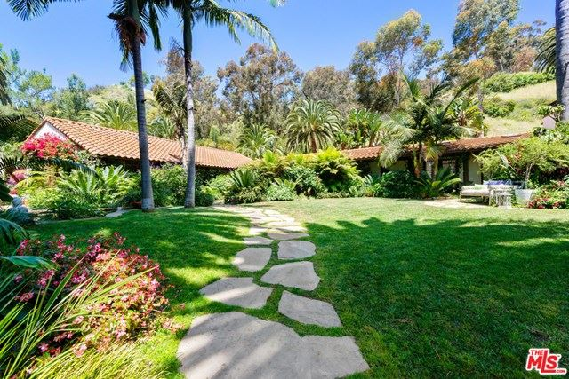 Photo of 23155 MARIPOSA DE ORO Street, Malibu, CA 90265 (MLS # 20585452)