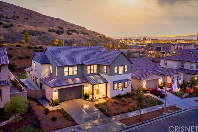 Photo for 25171 Cypress Bluff Drive, Canyon Country, CA 91387 (MLS # SR20197452)