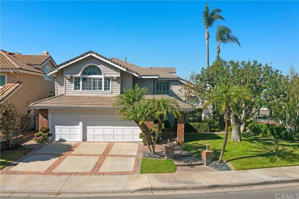 Photo of 2804 N Meredith Street, Orange, CA 92867 (MLS # PW21225453)
