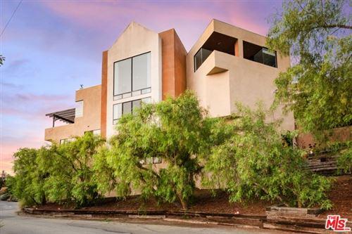 Photo of 2811 La Cuesta Drive, Los Angeles, CA 90046 (MLS # 20632454)