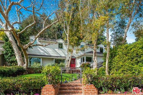 Photo of 337 S Glenroy Avenue, Los Angeles, CA 90049 (MLS # 21692454)