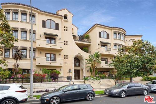 Photo of 10364 Almayo Avenue #102, Los Angeles, CA 90064 (MLS # 21730454)