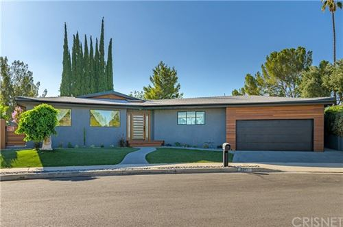 Photo of 8547 Shoup Avenue, West Hills, CA 91304 (MLS # SR20114455)