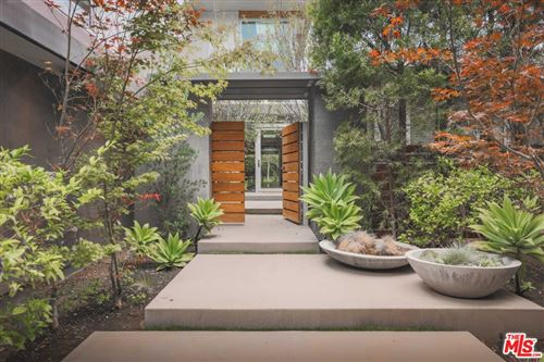 Photo of 1700 Mandeville Canyon Road, Los Angeles, CA 90049 (MLS # 21781456)