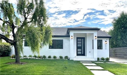 Photo of 5429 Alcove Avenue, Valley Village, CA 91607 (MLS # SR21146456)