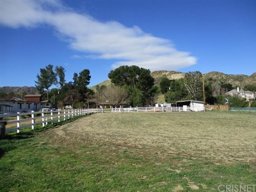 Photo of 26129 Ravenhill Road, Canyon Country, CA 91387 (MLS # SR20241457)